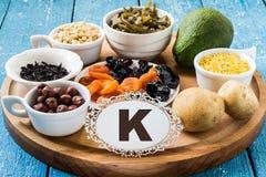 Produits contenant le potassium (k) Photographie stock libre de droits