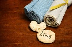 Produits d'amour et de station thermale ou tissus de lavage Photo stock