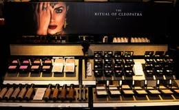 Produits de maquillage, cosmétique et traitements de beauté, appareils de contrôle de magasin Image libre de droits