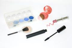 Produits de maquillage d'isolement sur le fond blanc Image stock