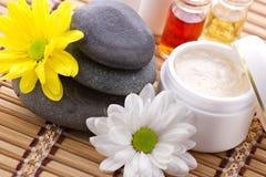Produits de station-cosmétiques de massage facial et de corps Image stock