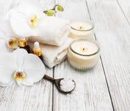 Produits de station thermale avec des orchidées Photo stock