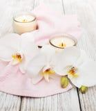 Produits de station thermale avec des orchidées Photographie stock libre de droits