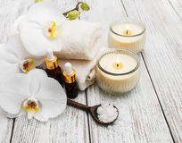 Produits de station thermale avec des orchidées Photo libre de droits