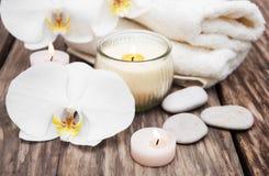 Produits de station thermale avec des orchidées Photos libres de droits