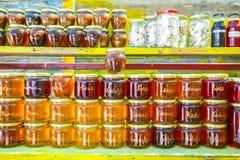 Produits faits maison au stand de nourriture Photo libre de droits