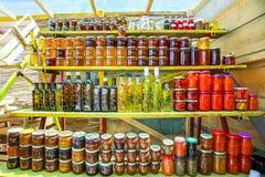 Produits faits maison au stand de nourriture Image stock
