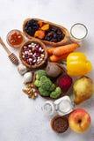 Produits pour les entrailles saines Nourriture pour l'intestin images stock