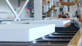 Produkci wyposażenie przy przemysłem, produkcja piankowy klingeryt, zdjęcie wideo