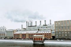 produkcja i przemysł zanieczyszcza powietrze Zdjęcia Royalty Free
