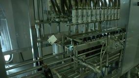 Produkcja medycyny w butelkach zbiory wideo