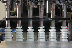 Produkcja plastikowe butelki Obrazy Stock