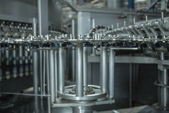 Produkcja plastikowe butelki wody mineralnej lemoniada rozlewać bidony linii montażowej produkcja ekologicznie życzliwa Obraz Stock
