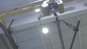 Produkcja promienia telfer w warsztacie zbiory wideo