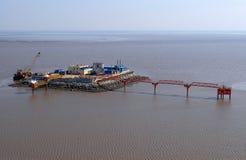 Produkcja ropy naftowej w morze od above. obraz stock