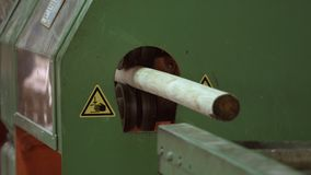 Produkt pojawiać się od maszyny po woodworking procesu Szalunku przemys? zbiory wideo
