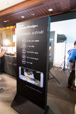Produkt Samsung galaktyki S6 S6 krawędzi notatka 5 A8 J7 i przekładnia w Tajlandia expo 2015 Mobilnej gablocie wystawowej Obraz Stock