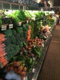 Produkt spożywczy nawa przy organicznie sklepem spożywczym Zdjęcia Stock