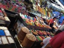 Produkte angezeigt im Markt Lizenzfreie Stockfotos