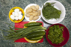 Produkte für die Vorbereitung des Salats Lizenzfreie Stockbilder