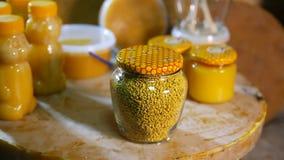 Produkte von Lebensunterhalt von Bienen Produkte von Imkerei stock video footage