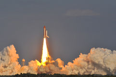 Produkteinführung der Raumfähre-Entdeckung stockfotos