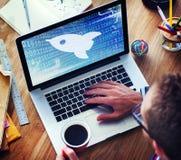 Produkteinführungs-Wachstums-Erfolgs-Zunahme-Geschäft fangen Visions-Konzept an Lizenzfreie Stockfotos