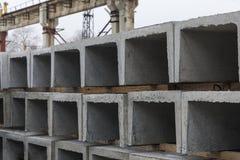 Produkter från betong för en dränering Arkivfoton