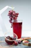 Produkter som göras från druvor royaltyfri bild