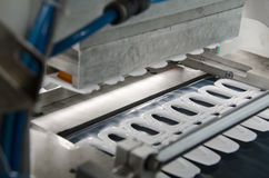 Produktion av den plast- fruktsaftaskräkningen arkivfoto