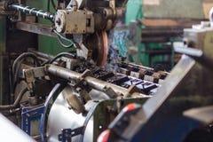 Produktion av järntrummor Arkivfoton