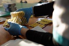 Produktion av peptiden Kristagen i företaget Vita Royaltyfri Bild