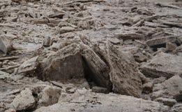 Produktion av salt på Karum sjön, Danakil som är avlägsen, Etiopien Arkivbilder