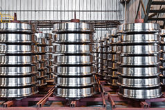 Produktion der Stahlzugräder stockbilder