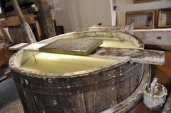 Produktion des Baumwollpapiers handgemacht Stockbild