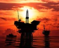 Produktion des Erdöls Stockbilder