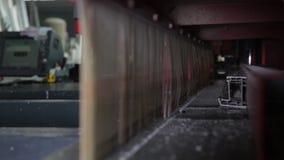 Produktion von Plastikfenstern stock video footage