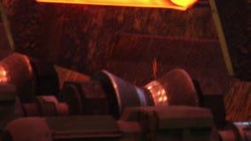 Produktionslinje för stålrör på rörfabriken Stålrör som tillverkar linjen lager videofilmer