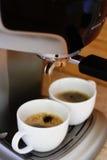 Produrre caffè espresso Immagini Stock Libere da Diritti