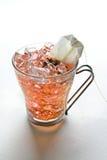 Produrre il tè di ghiaccio fotografia stock libera da diritti