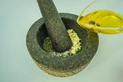 Produrre la salsa di chimichurri fotografie stock libere da diritti