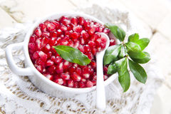 Produto de Autumn Season Pomegranate fotos de stock