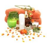 Produtos, cosméticos e rosas dos termas Imagem de Stock Royalty Free