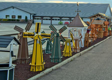 Produtos de Amish - moinho de vento e desejo bem imagens de stock