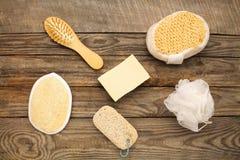 Produtos de higiene: sabão, pente, esponja, pedra de polimento Imagens de Stock
