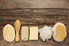 Produtos de higiene sabão, pente, esponja, pedra de polimento Imagens de Stock