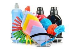 Produtos de limpeza isolados no fundo branco fotografia de stock royalty free