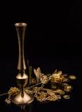 Produtos dourados Foto de Stock Royalty Free