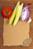 Produtos em uma superfície de madeira, de papel Imagens de Stock