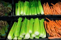 Produtos frescos indicados em um supermercado Fotografia de Stock Royalty Free